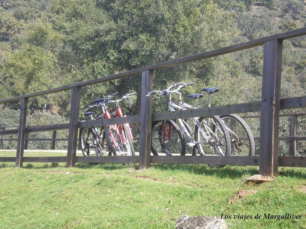 nuestras bicis en la vía verde de la sierra norte de Sevilla - Los viajes de Margalliver
